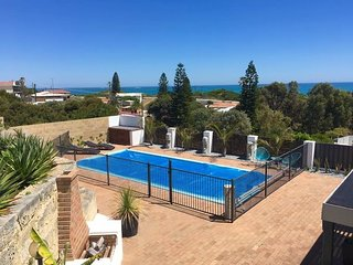 Yanchep Beach Apartment