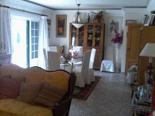 House in Sesimbra up to 10 persons and bring your pet on hollidays | B3 my Guest