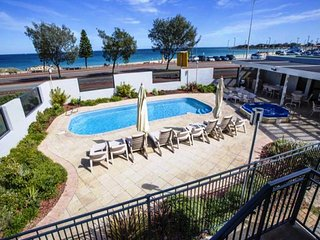 Joy's Hillarys Sorrento Beach Resort Apartment