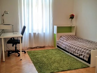 Sunny modern private room in city center Prague PERFECT LOCATION