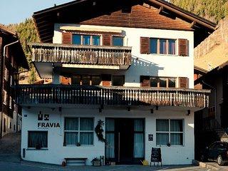 Gemütliche 5 1/2 Zimmer Wohnungs im zentrum von Sedrun zu vermieten