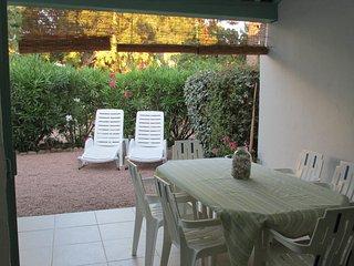 mini villa 250 m.dalla spiaggia di saint cipryen, Lecci