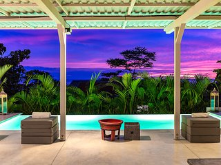 Bedroom with ocean view in a private resort + pool, Santa Teresa