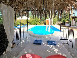 Fantastic 4  bed room  Villa  with private Pool