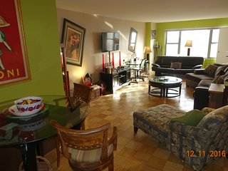 STUNNING TWO BED 2 BATH ,BALCONY, GYM IN  FULL SERVICE  BUILDING, (Upper East ), New York City