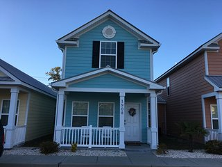 1908 Cassandra, New 2-BR Cottage, One Block To Beach!, Myrtle Beach