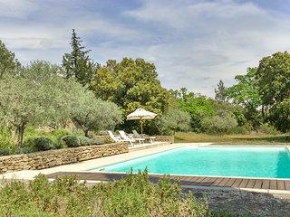 Mas 8 couchages, piscine vue imprenable sur le Luberon.