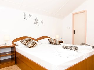 Guest House Daniela - Superior Double Room with Sea View (Top Floor), Mlini