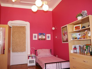 Small Pink Bedroom in Our BudaBaB Bed and Breakfast