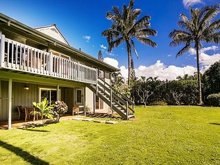 House Of Cool Breezes 4 bedroom 3.5 Bath 2 Story House, Princeville
