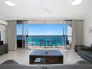 Absolute ocean front 2 bedroom 2 bathrooms resort style luxury apartment