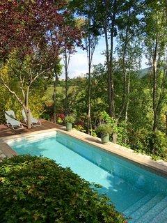 Luxury apartment in world famous garden