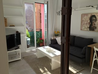 Charming, cozy, luminoso apartamento en pleno Centro de Madrid.