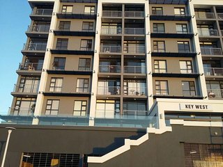 Modern Apartment with Stunning View, Milnerton
