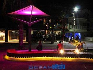 Locatie van Ocean Cafe suites & PUB - Central Square Santa Maria's