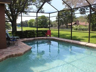 Pine Warbler Home, Luxury 4 Bdrm 2-1/2 Bath W/Pool, Palm Harbor