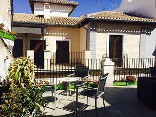 se alquila Hostel para 35 personas en Fin de Año, Granada