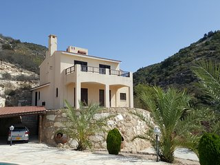 Paphos Luxury Villa 8 sleeper