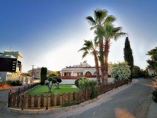 Chronas Villa, Peyia