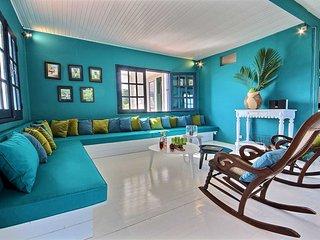 Superbe villa pied dans l'eau, 5CH, piscine, jardin, ponton prive, vue mer