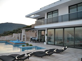 Villa Blue Wings E - Luxury 4 bedroom villa with private pool in Kalamar