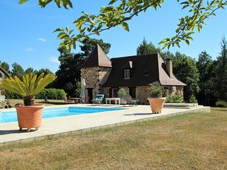 FAUCHEDIES HAUTES : MAGNIFICIENT STONE PROPERTY+POOL+SUMMER KITCHEN+PARK
