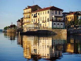 Aparthotel Arona 'Dimora dell'Antico Porto'