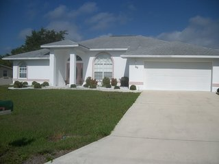 Vacation Rental with Pool - close to the beach, Port Charlotte