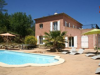 Les Arcs Villa Sleeps 8 with Pool and Air Con - 5822333