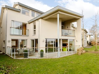 The Lagoon View Villa - The Lower Mill Estate, Cirencester