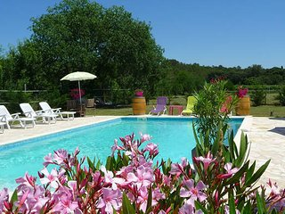 Syrah, Montpellier holiday gites with pool (sleeps 5), Galargues