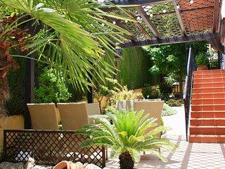 Big Villa Romana Granada, the perfect stay. WiFi&Phone Available