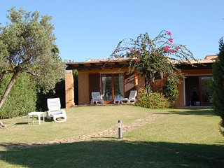 Villa Baia di Chia - cosy detached property a few steps from a sandy dunes beach