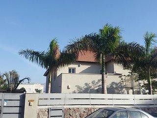 VILLA CALYPSO(casa completa)4 DORMITORIOS, Eilat