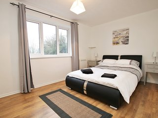 Close to University, Winnersh Triangle, TVBP and Green Park, Reading
