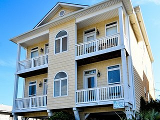 Tranquility Penthouse-6BR,Oceanfront,Pool,Elevator, Carolina Beach