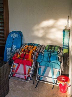 Beach items for guest use- chairs, umbrellas, boogie boards, etc.