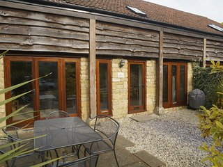 Modern 3 bedroom holiday barn near Sherborne