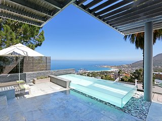 Aqua  Villa  Penthouse Camps Bay