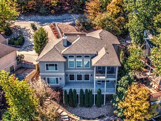 Lakefront Home Sleeps Up To 12, Stunning View, Access To Private Beach, Pool, Lake Ozark