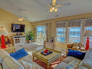 """Sandpiper Landing"" Oceanfront! Prime Location Walk To Everything, Surf City"