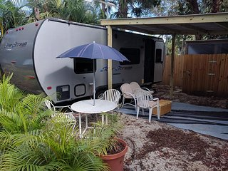 Trailer in Tropical Florida