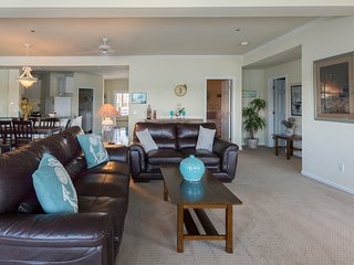 SPACIOUS 3BR Ledges Point Condo~Stunning Views!~ Free WIFI~ 3rd Nt. Free-April