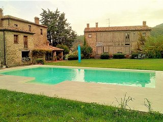 Villa - 50 km from the beach, Frontino