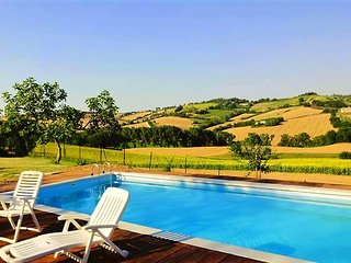 Villa - 25 km from the beach, Mondavio