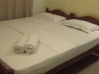 Deluxe bed room /airconditioned