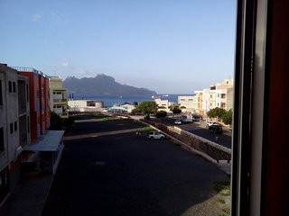 Appart 2 chambres, superbe vue, neuf, 5 mn a pied plage, 15 mn centre ville., Mindelo