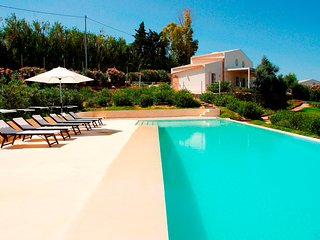 Selinunte Country house with pool near the beach, Marinella di Selinunte
