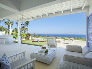 Villa Seashore 2 Modern Seafront Luxury 3-Bedroom Villa In A Quiet Gated Comp