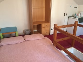 Family Home (Safe, comfortable, cosy, parking, complementary welcome